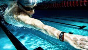 Samsung y Speedo colaboran para controlar la actividad en la natación   Imagenacion