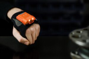Llega a España PROGLOVE, presentan un guante con escáner, su wearable industrial | Imagenacion